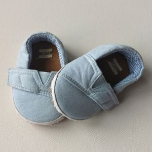 Blue TOMS Slip-on Baby Shoes * Size 2